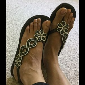 Shoes - Gorgeous leather beaded sandals