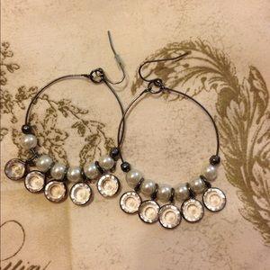 Jewelry - Classic pearl hoop earrings