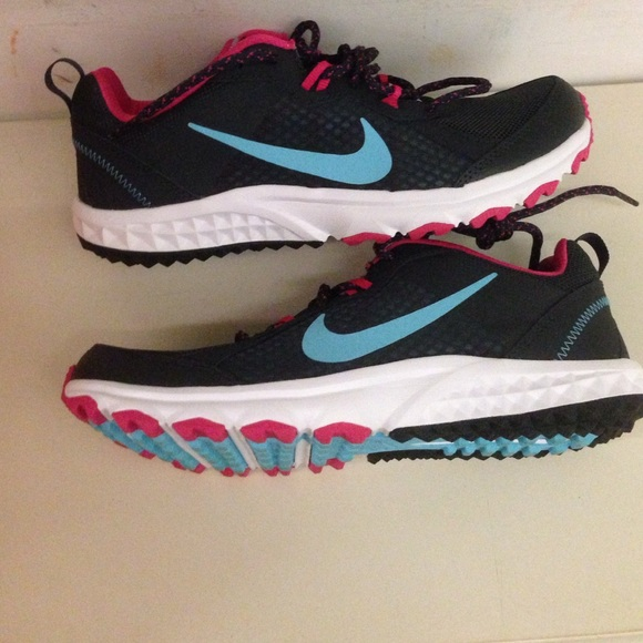 43b089d6b88 Women s Nike wild trail. M 55bba30e2bbdeb6fc60046c1