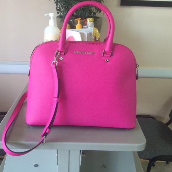 7ce946a7a11da9 Michael Kors Bags | Michael Cindy Large Handbag | Poshmark
