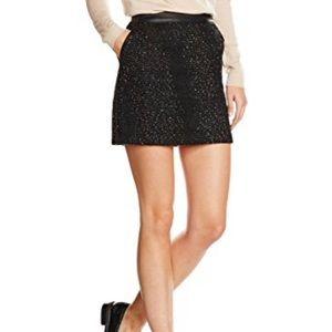 ✨HP FLASH SALE✨Banana Republic Black skirt