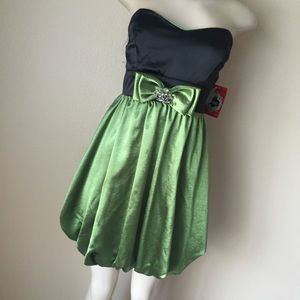 Green & Black Bow Bubble Dress