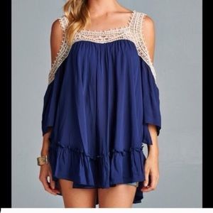 Tops - Blue open shoulder tunic