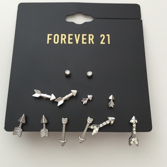 Forever 21 f21 earrings from pearl 39 s closet on poshmark for Forever 21 jewelry earrings