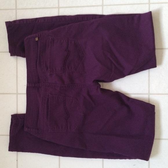 EUC H&M slim fit plum jeans size 29 EUC H&M slim fit jeans size Plum colored. Approx. 29