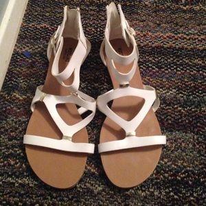 Shoes - Cute sandals !