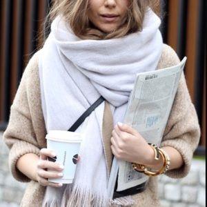 Zara Accessories - New Zara soft double layered scarf