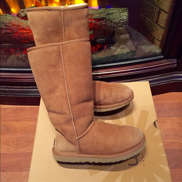 CHESTNUT Classic Tall UGGS