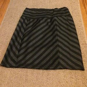 Black and gray stripped pencil skirt