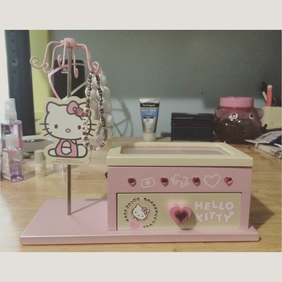 692dfcf6a Sanrio Co. | Hello Kitty Jewelry Box. M_55bd014f372d0833b200b1f2