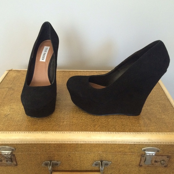 226a8be7a07 Steve Madden Pammyy Wedges-Black Suede