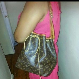 Louis Vuitton authentic  vintage petit noe.