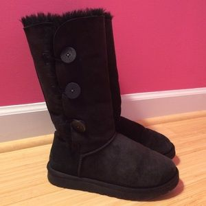 UGG Shoes - FLASH SALE Ugg black Bailey Button boots