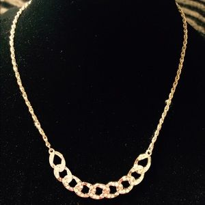 Jewelry - SILVER TONED FLAT CHAIN LINK W BLING NECKLACE