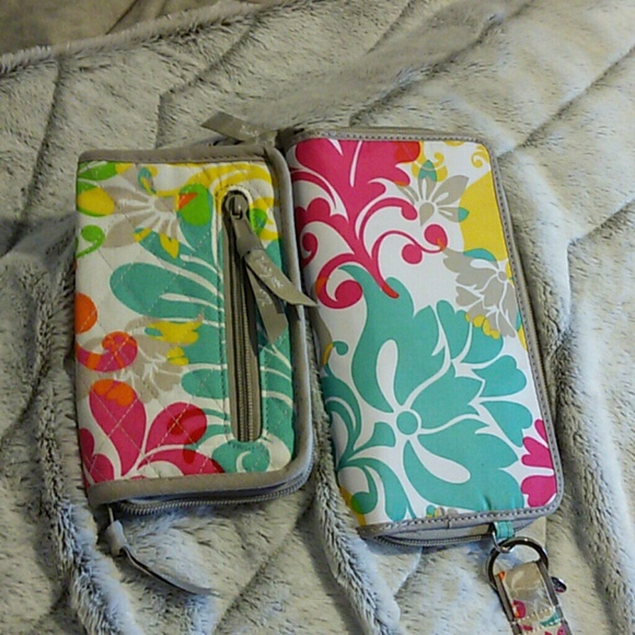 63 Off Thirty One Clutches Amp Wallets Thirty One