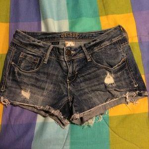 Decree shorts, size 3.