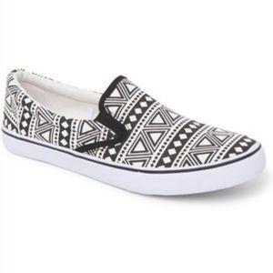 Black Poppy Shoes - New Pacsun Black Poppy canvas slip on shoes size 6