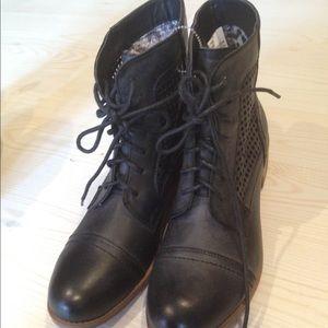 Black Poppy Shoes - New Black Poppy black combat boots size 7