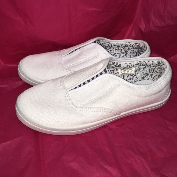 38 Off Basic Editions Shoes Nwot Basic Editions White