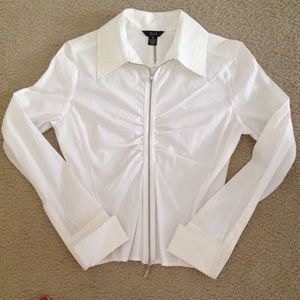 Que Tops - Brand new white long sleeve blouse