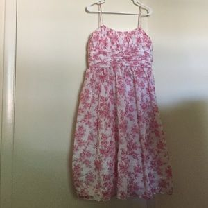 Gorgeous pink & white floral Jessica Howard Dress