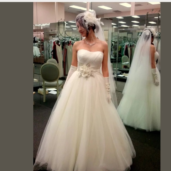 Oleg Cassini Dresses | Wedding Dress Ivory Cwg322 Sz 4 | Poshmark