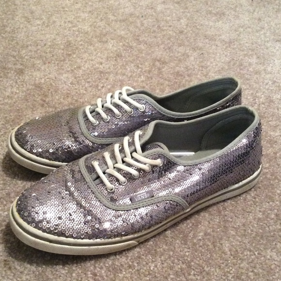 a8d18714c32f Vans Authentic Lo Pro Silver Sequin Sparkle. M 55be5e7c72c9c5524b011aee