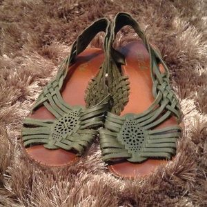 Aerie green leather sandals - US size 10