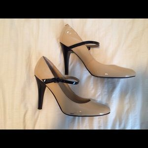 Nude Nine West Heels