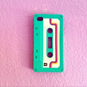 iPhone 4/4s cassette-style case