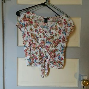Timing Tops - Floral button down crop top