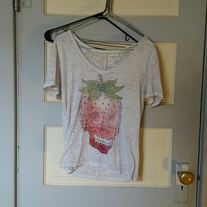 Hurley Tops - Skull strawberry cropped top