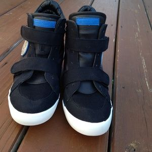 Guess snikers size 8.5