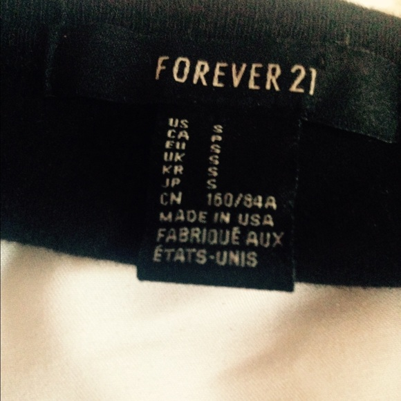 Forever 21 Tops - NWOT forever21 cut out cheetah cross tank