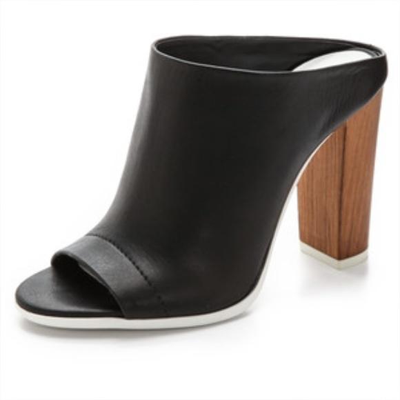 af03c02605d6 🎉NEW VINCE wooden heel mules 🚫no trades🚫