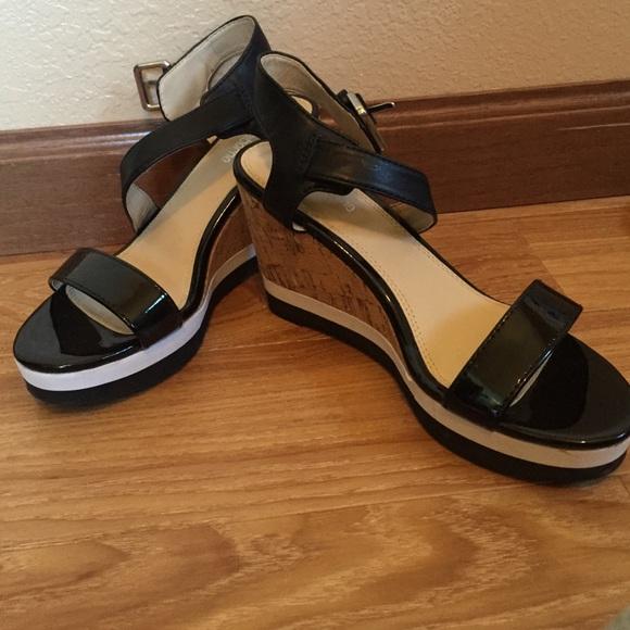 56 liz claiborne shoes liz claiborne cork wedges
