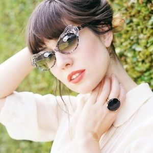 Accessories - Francis Klein  Sunnies