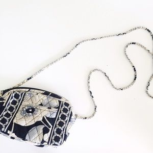 Vera Bradley Handbags - Vera Bradley crossbody purse.