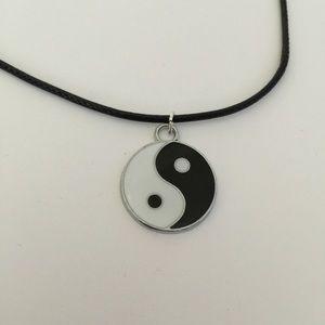 Ying Yang Choker Necklace NWOT