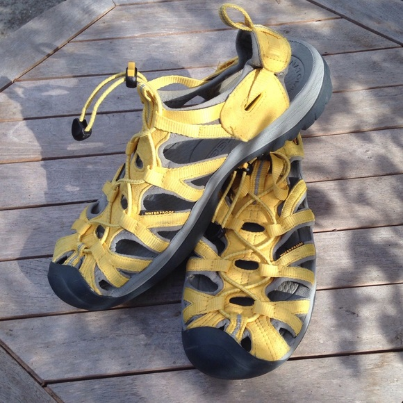 Keen Shoes - Yellow Suede Keen Sandals