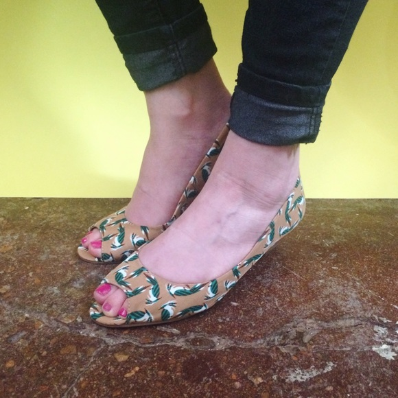 Chinese Laundry Shoes - HALF OFF SALE | Bird Print Low Heels
