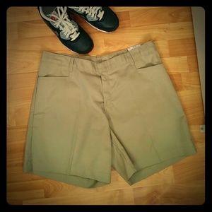 3/$25🌹Dickies Dennis Khaki Shorts, Sz. 20.5, NWT