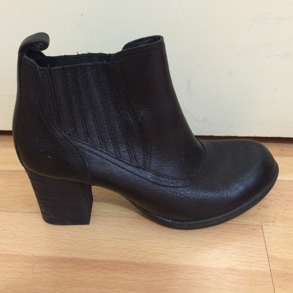 77 born shoes born black leather ankle length boots