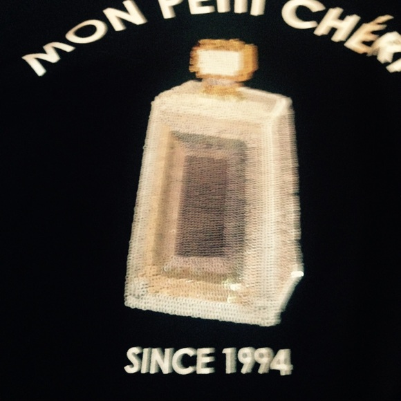 H&M Sweaters - H&M graphic perfume sweater