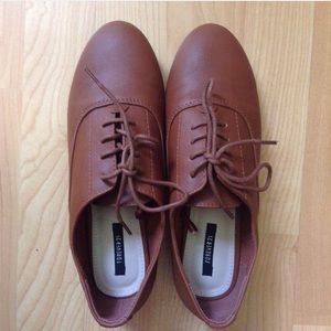 F21 FAUX LEATHER OXFORDS