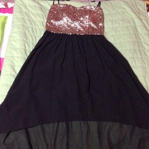 dELiA's dress.