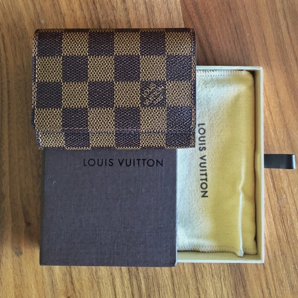 00273f94353f 🎉HP🎉Louis Vuitton Damier Ebene cardholder. Listing Price   265
