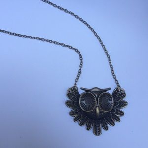 Jewelry - Large vintage owl necklace n02