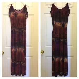 Dresses & Skirts - (NWOT)Multi Colored Maxi Dress w/ Shoulder Cut Out