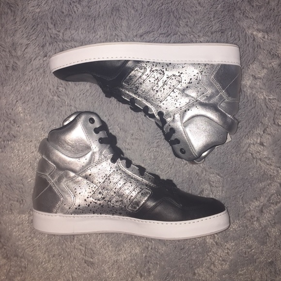 super popular 8cf5f 4a53f Adidas x Rita Ora Bankshot 2.0 (Silver  Black)